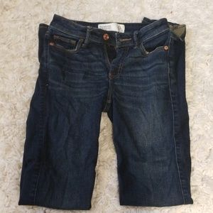 Abercrombie and Fitch Straigh Midrise Jeans